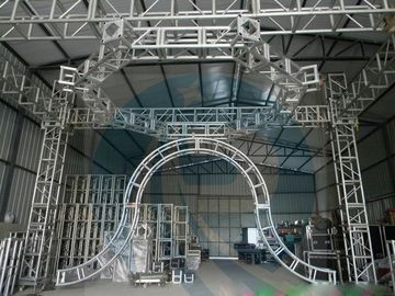 چین Silver 50x3mm Tube  5M  Diameter  Aluminum Stage Lighting Truss  System  Can Be Choose For  Different Kinds Of Events کارخانه